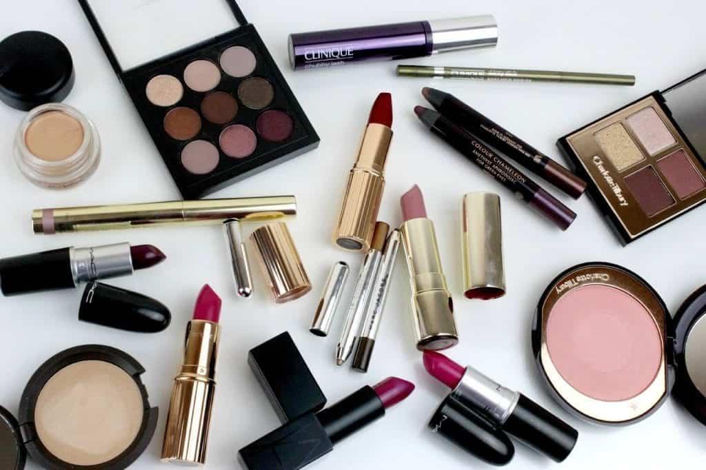 Make-up postaja del vsakdana za mnogo žensk.
