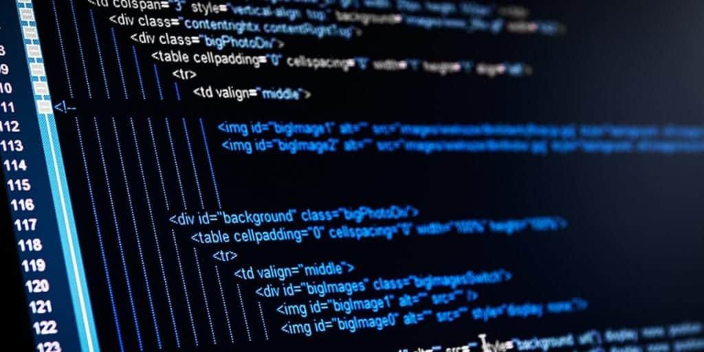 Programiranje je veliko bolj zapleteno kot deluje na prvi pogled, zato je dobro najeti strokovnjaka