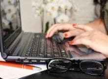 ženska tipka na osebni računalnik