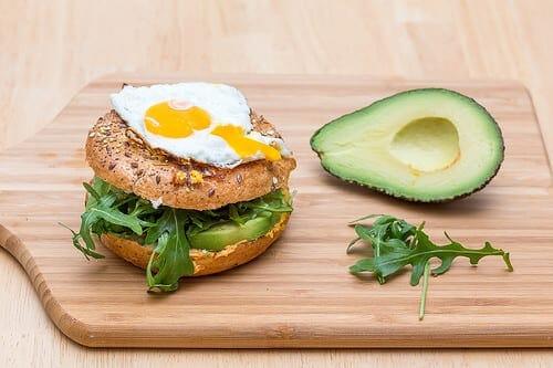 Zajtrk je ključen za zdrave prehranjevalne navade
