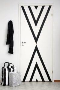 črno bela notranja vrata ideje
