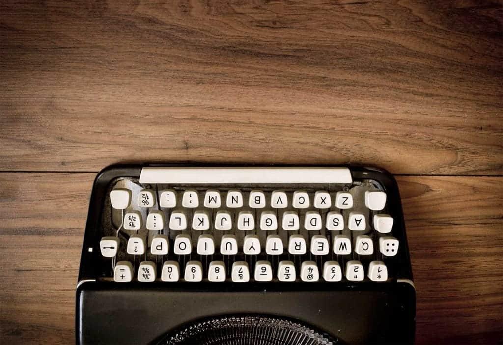 copywriter-pisanje-člankov-besedil-cena