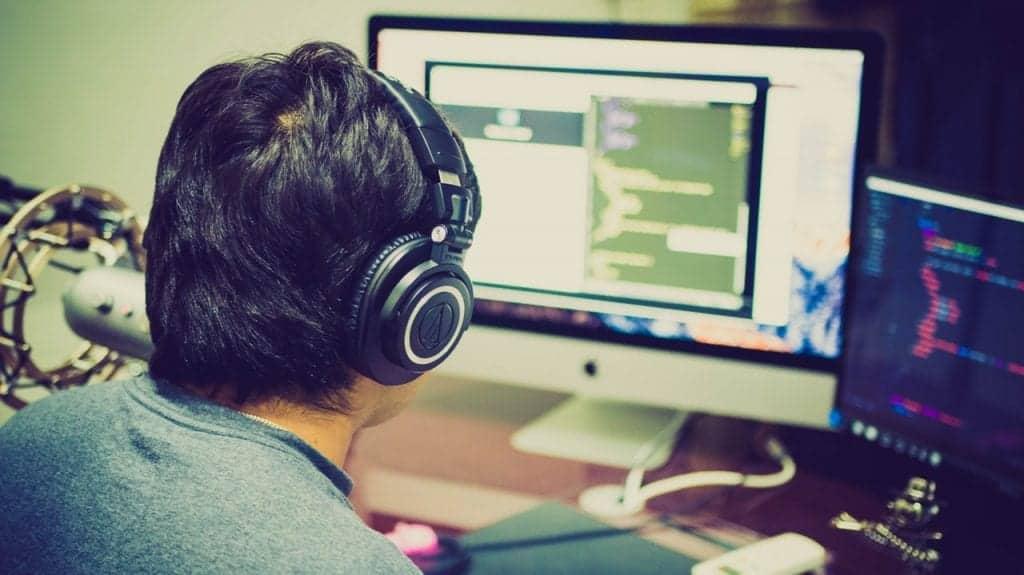 programer in Izdelava mobilnih aplikacij