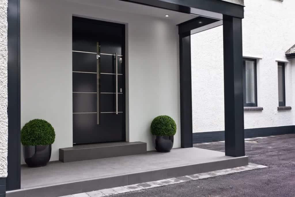 vhodna vrata odprodaja eksponatov cena