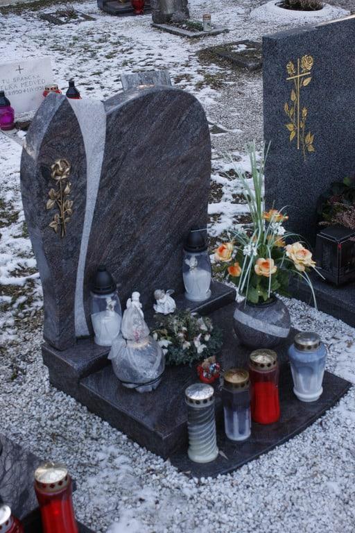žarni-nagrobni-spomeniki-cenik