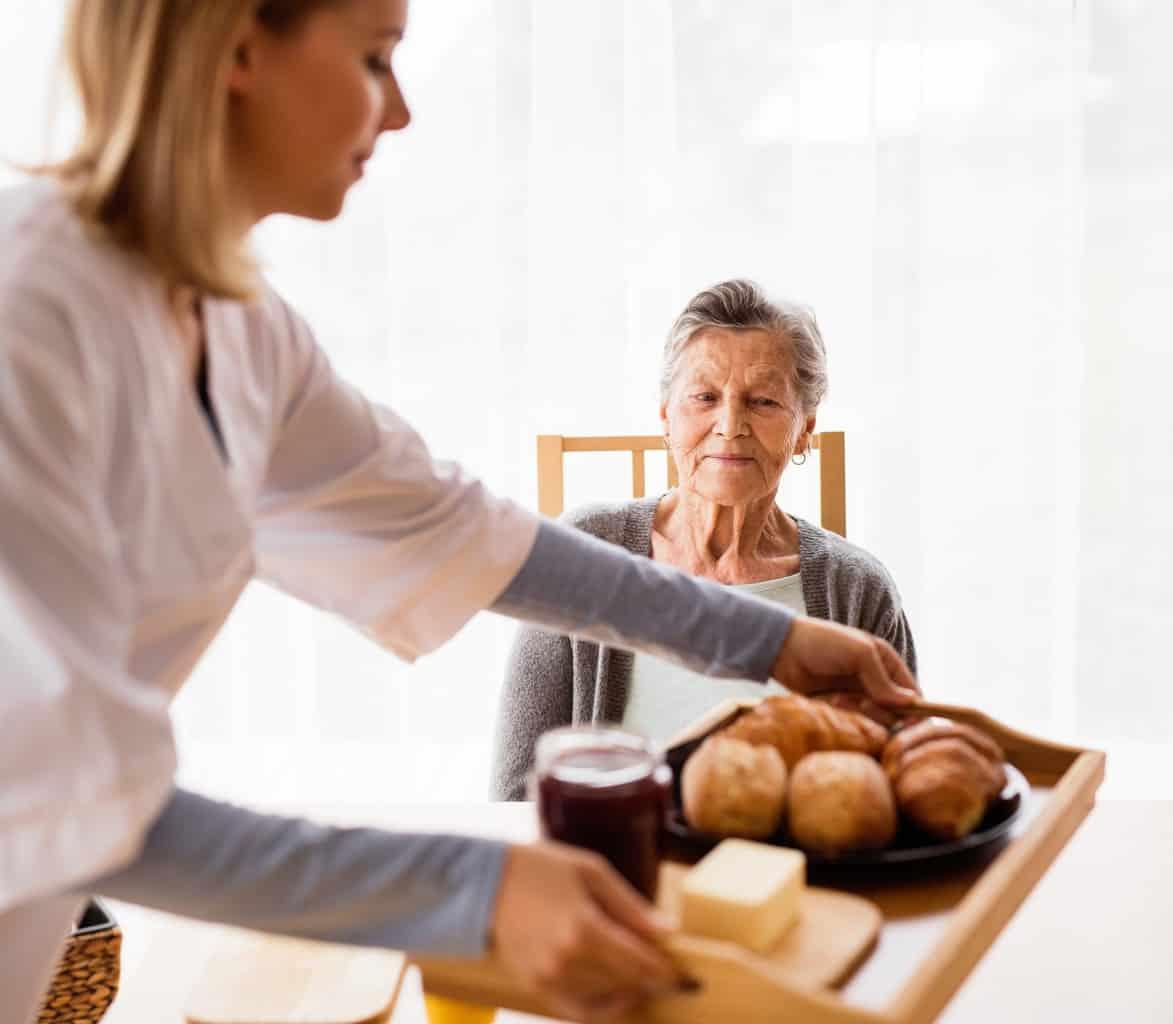pomoc-na-domu-hranjenje