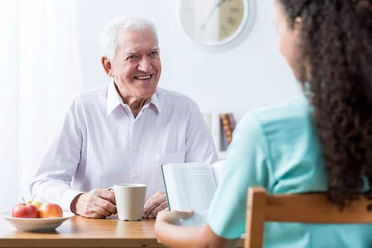 zagotovitev-socialnega-stika-starostnika