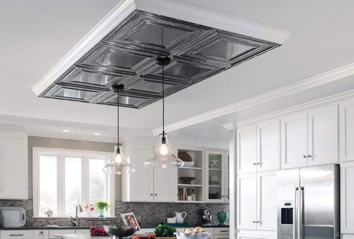 spuscen-strop-dekorativni-dodatek