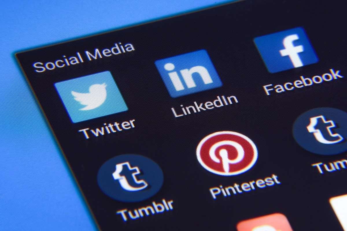Družbena omrežja so pomemben del digitalnega marketinga za ponudnike storitev