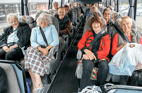 avtobusni-prevozi-prevoz-starejsih-oseb