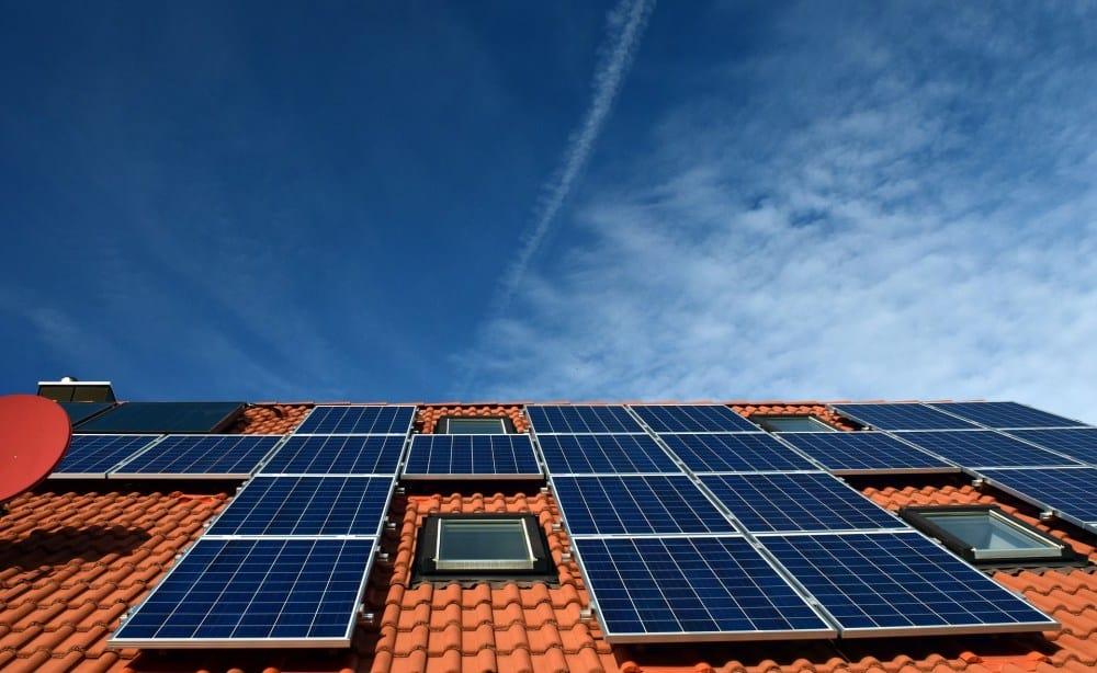 namestitev-soncne-elektrarne-na-streho