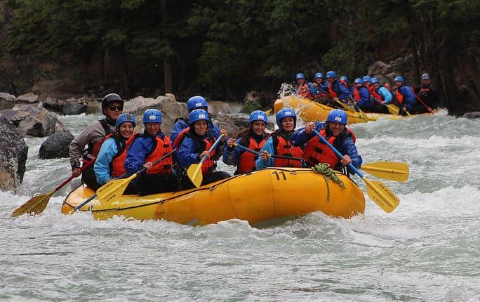 team-building-za-podjetja-rafting