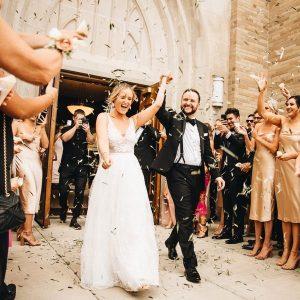 Poročni fotografi fotografirajo več ur, odvisno od vaših želja