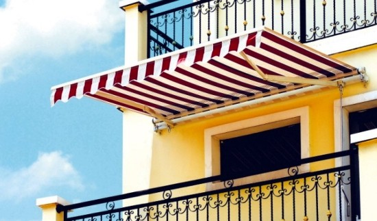 balkonska-tenda-rocna-mehanska-uporaba