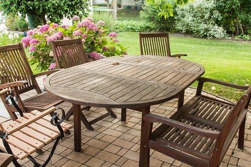 mizarstvo-izdelava-lesenega-vrtnega-pohistva