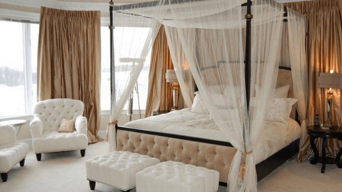 postelje z baldahinom
