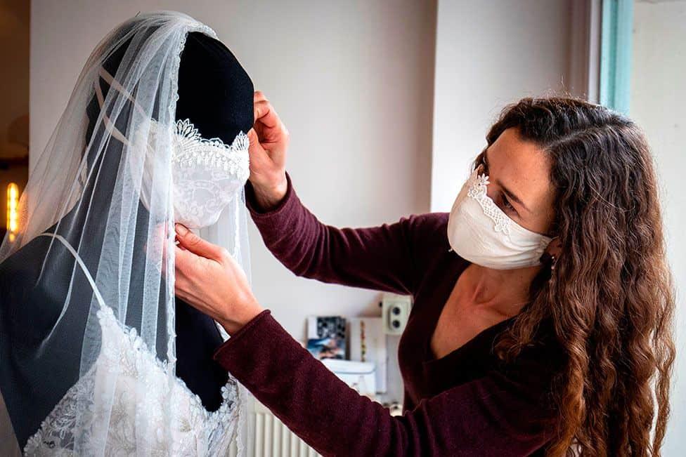 modne-zascitne-maske-za-poroko-v-casu-koronavirusa