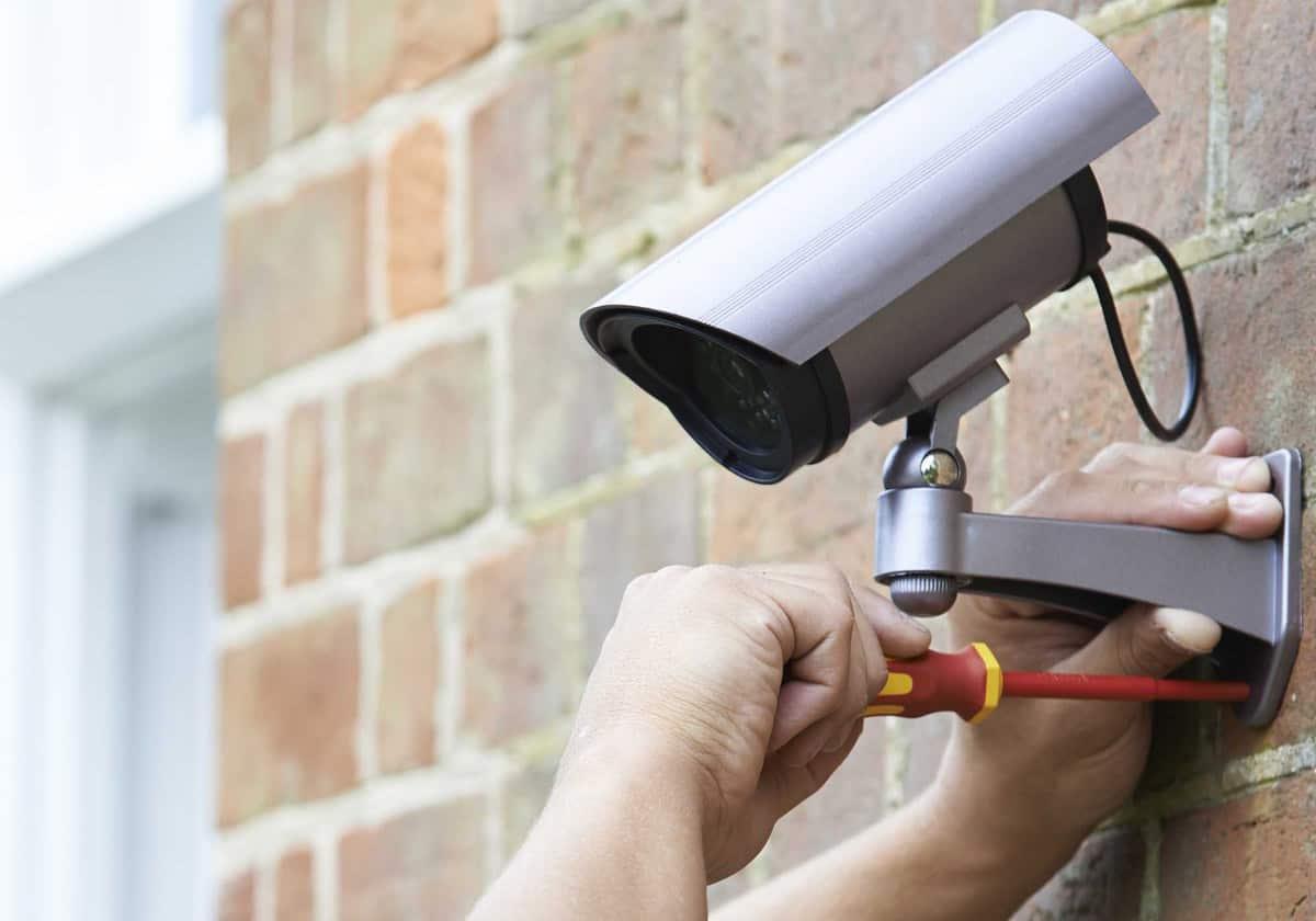 montaza-nadzornih-kamer-hišni-servis-cena
