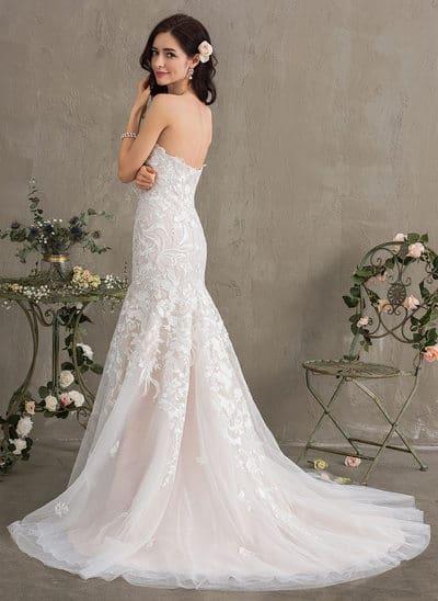Organizacije poroke: poročna obleka