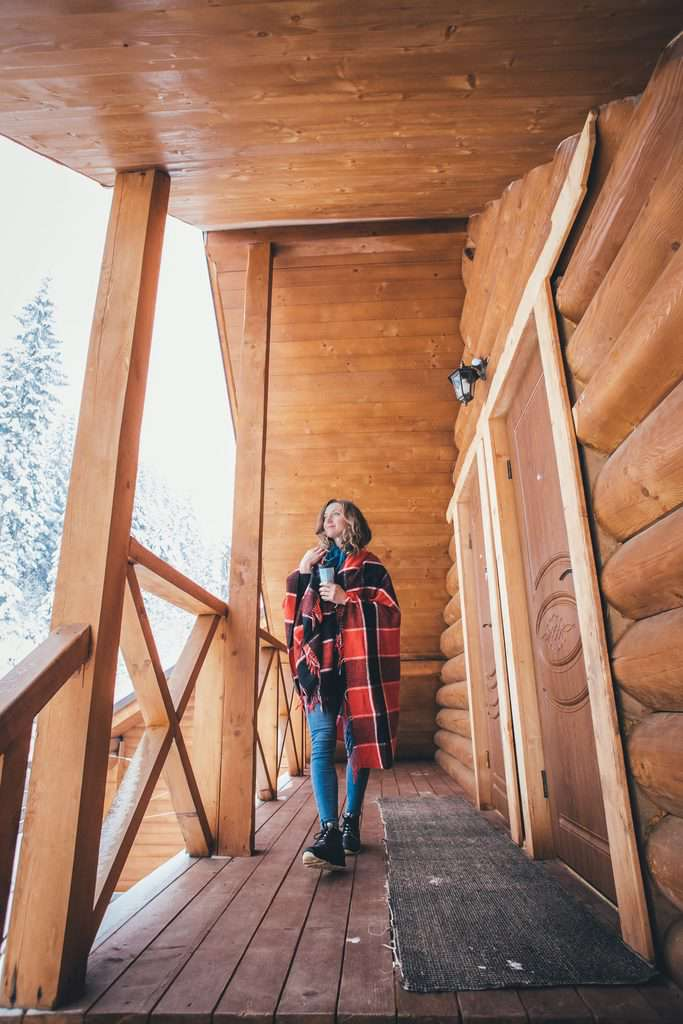 lesena-hiša-na-ključ-cena
