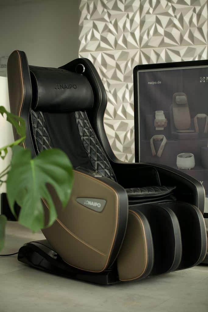 masažni-stol-masaža-v-pisarni