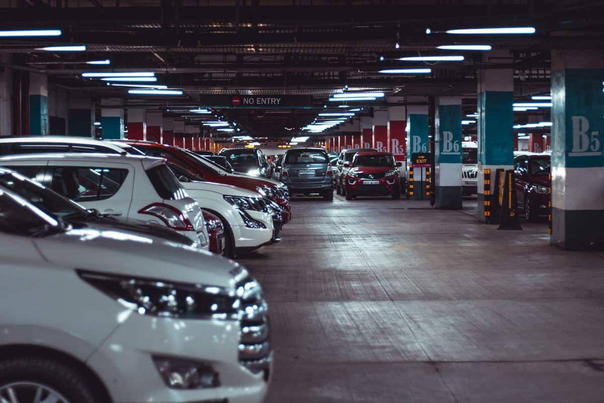 parkirni-senzorji-kamera-zaslon-cenik-avto storitve