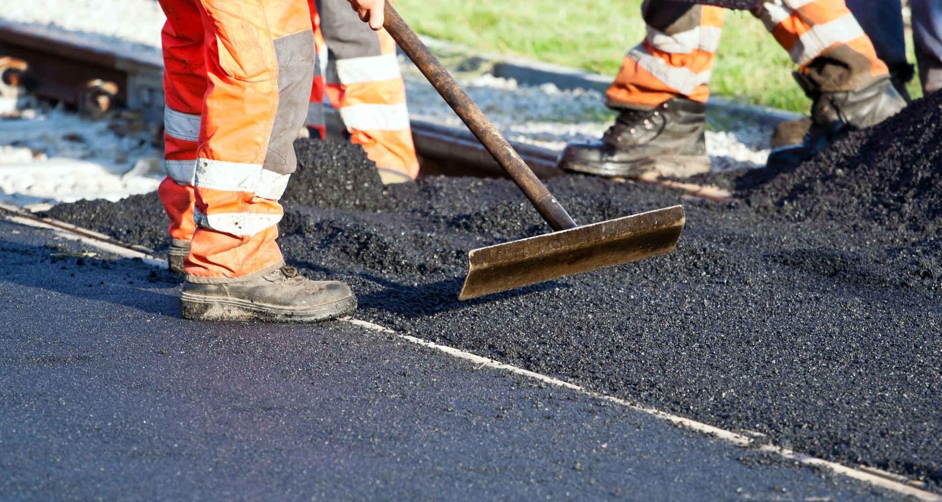 Iščete asfalterja? Pomagali vam bomo najti pravega strokovnjaka za asfaltiranje