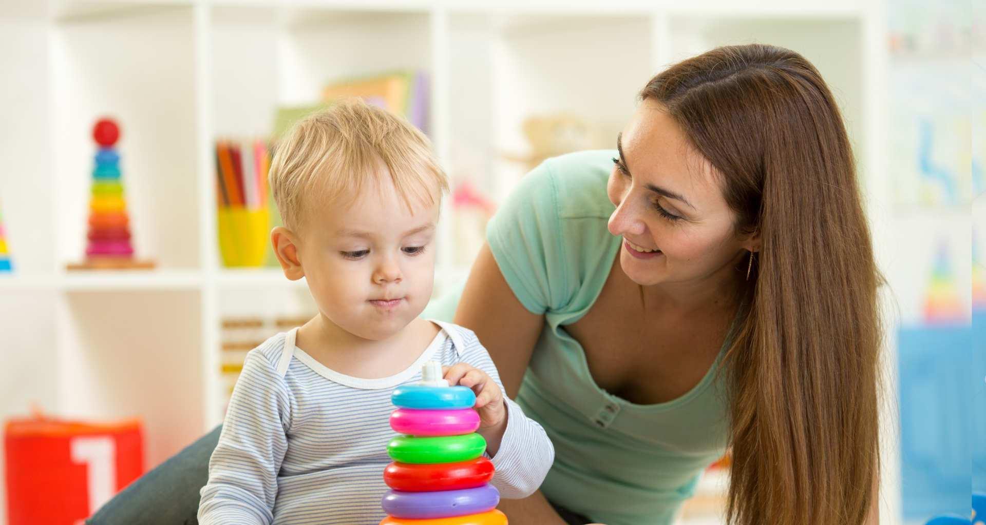 Potrebujete varstvo otrok? Pomagali vam bomo najti pravega varovalca / varuško za vas