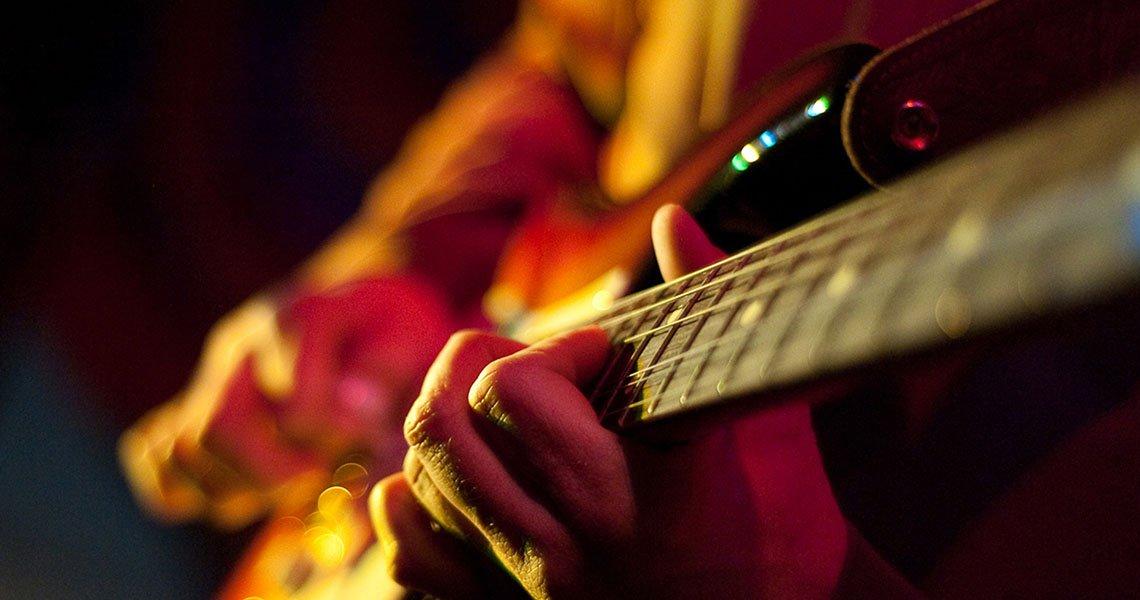 Organizirate dogodek in potrebujete glasbenika? Pomagali vam bomo najti pravega glasbenika za vaš dogodek
