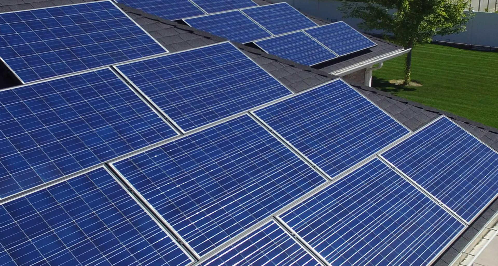 Iščete strokovnjaka za sončne elektrarne? Pomagali vam bomo najti pravega specialista za sončne elektrarne