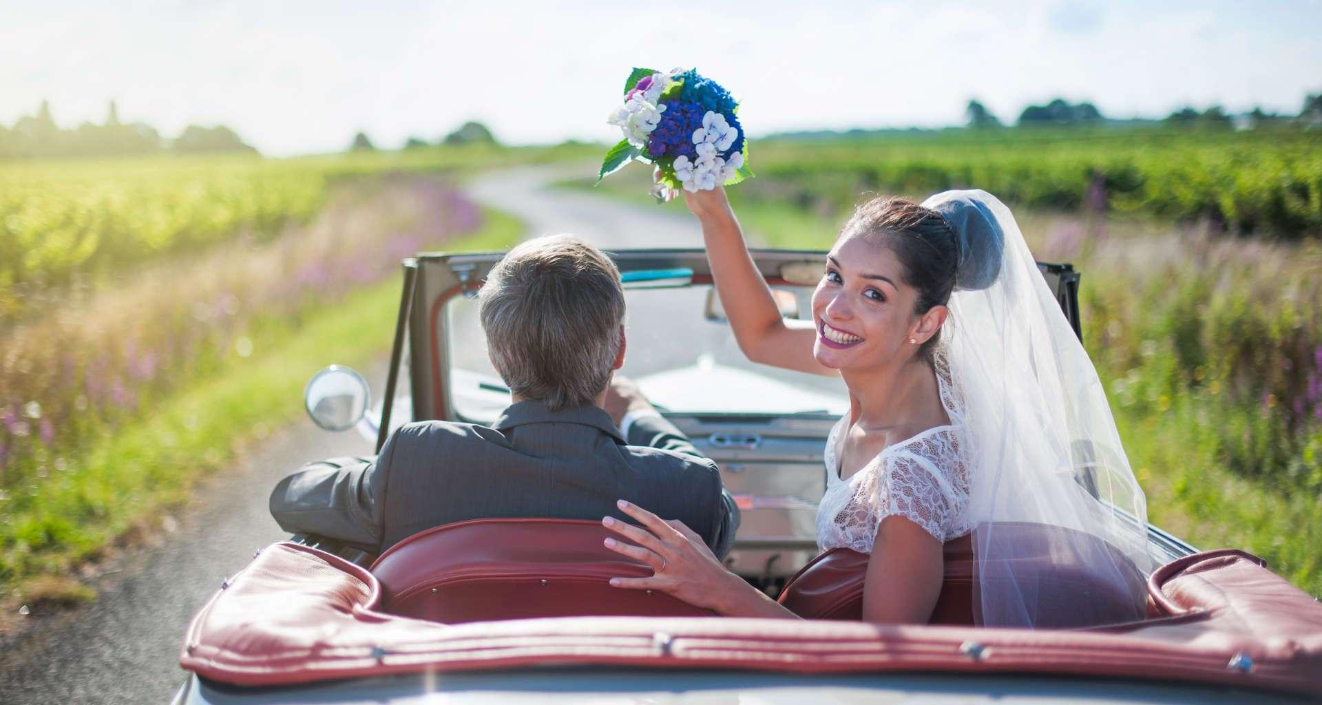 Želite najeti ponudnika poročnih prevozov? Pomagali vam bomo najeti pravega ponudnika poročnih prevozov
